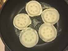餃子を作った次の日はコレだ!余りの皮を活用した、楽うまレシピ集の画像3