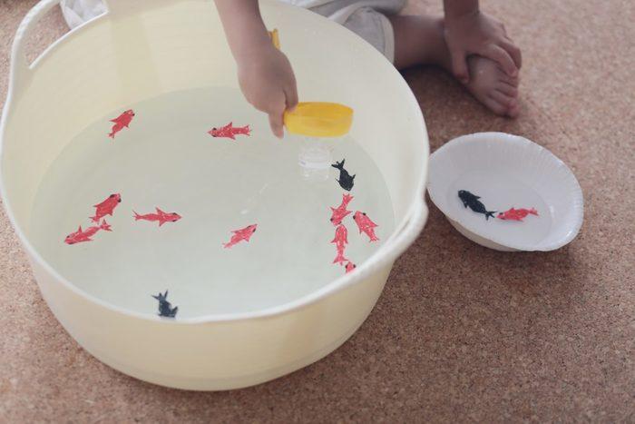 みんな大好きガチャガチャを、ダンボールで作ろう!何度も遊べる手作りおもちゃの画像11