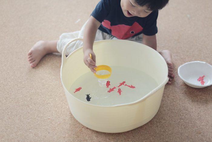 みんな大好きガチャガチャを、ダンボールで作ろう!何度も遊べる手作りおもちゃの画像8