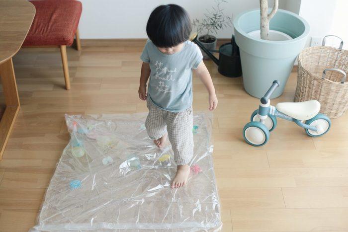みんな大好きガチャガチャを、ダンボールで作ろう!何度も遊べる手作りおもちゃの画像6