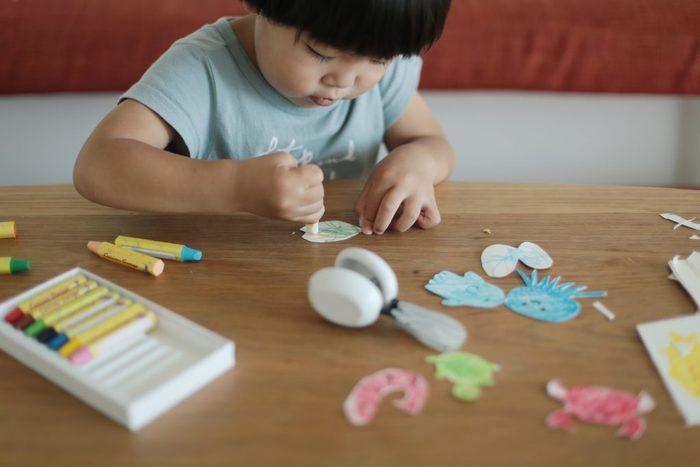 みんな大好きガチャガチャを、ダンボールで作ろう!何度も遊べる手作りおもちゃの画像3