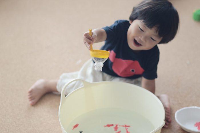 みんな大好きガチャガチャを、ダンボールで作ろう!何度も遊べる手作りおもちゃの画像12