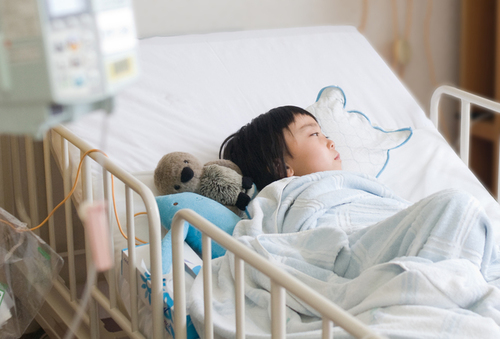 子どもが入院!付き添いのスケジュールと、あってよかった持ち物リストのタイトル画像