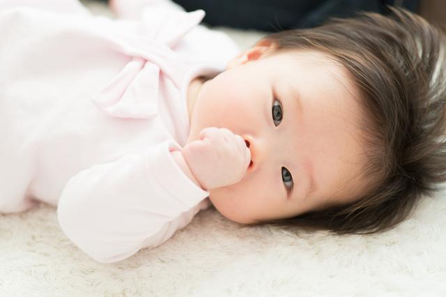 生後4ヶ月の赤ちゃんの発達は?過ごし方や寝かしつけのコツもご紹介!の画像1