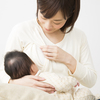 夜間断乳はいつからはじめる?メリットや成功のコツ、先輩ママの体験談ものタイトル画像