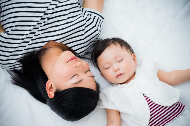 生後5ヶ月の発育。離乳食の始め方や寝かしつけのコツ、先輩ママの体験談もの画像4