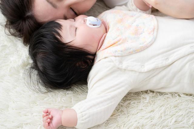 生後6ヶ月の赤ちゃんの発達は?離乳食の始め方や安全対策まで徹底解説!の画像3