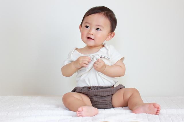 生後8ヵ月の発育発達、離乳食の進め方や寝かしつけ、遊びについてご紹介の画像1