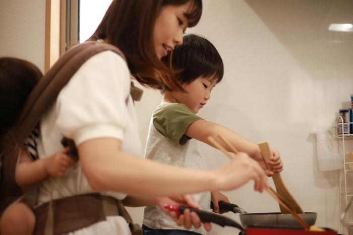 3歳から「マイ包丁」で料理好きに成長。小4長男のシチューは弟妹に大人気!?の画像1