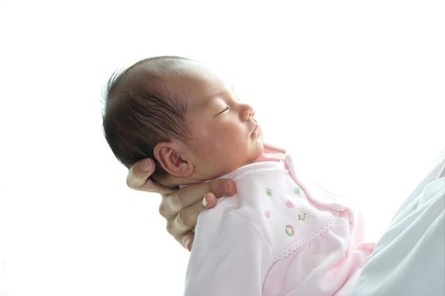 赤ちゃんのげっぷ、これで大丈夫?出し方のコツ、出ない時の対処法は?の画像5