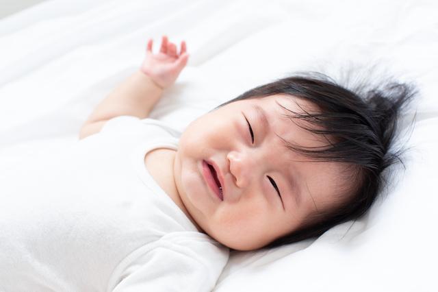 【医師監修】新生児に必要なミルクの量はどれくらい?混合の場合の飲ませ方も解説の画像4