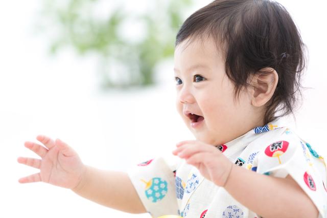 0歳の月齢別おすすめの室内遊びや本を紹介!体や心の発達の目安とは?の画像4