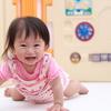0歳の月齢別おすすめの室内遊びや本を紹介!体や心の発達の目安とは?のタイトル画像