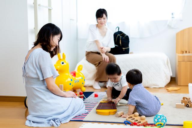 0歳の月齢別おすすめの室内遊びや本を紹介!体や心の発達の目安とは?の画像2