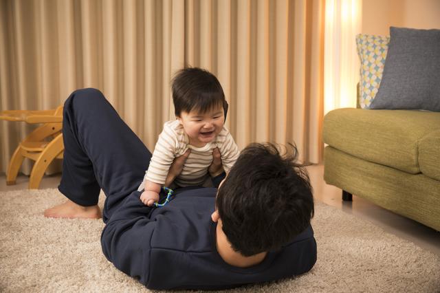 0歳の月齢別おすすめの室内遊びや本を紹介!体や心の発達の目安とは?の画像5