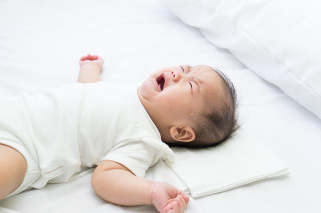 新生児の夜泣きはいつからいつまで?夜泣きが激しい時の原因と対処法を紹介の画像2