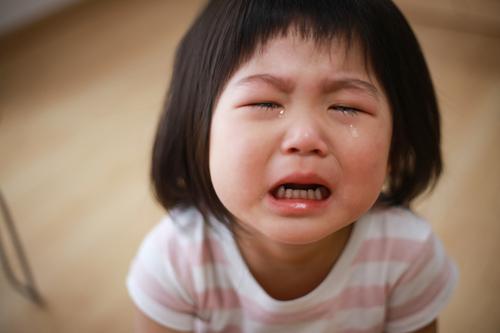 いつもすみません...と娘の大泣きを謝る日々。お母さんを救った保育士さんの言葉のタイトル画像