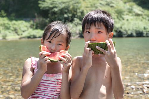 夏休みは毎年恒例、兄との2人旅!親になった今だからわかる、両親の勇気ある決断のタイトル画像
