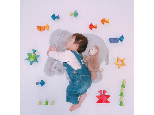 今年の夏こそ室内チャレンジ!癒しのお昼寝アートや赤ちゃんの面白写真を特集!のタイトル画像