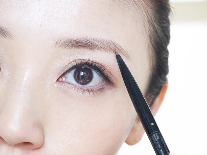 自分に似合う、眉の太さの見つけ方とは…?トレンド眉メイクのポイントも!の画像13