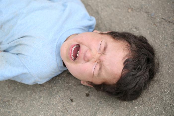 ゲームで兄に負けて大泣き大暴れ!5才息子の「悔しい気持ち」どう向き合う?の画像2
