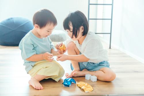 雨の日。実母の提案したおうち遊びが、子ども達をトリコにした理由の画像