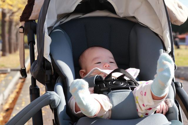新生児の外出はどうすればいい?外出時の持ち物や注意点をご紹介の画像1