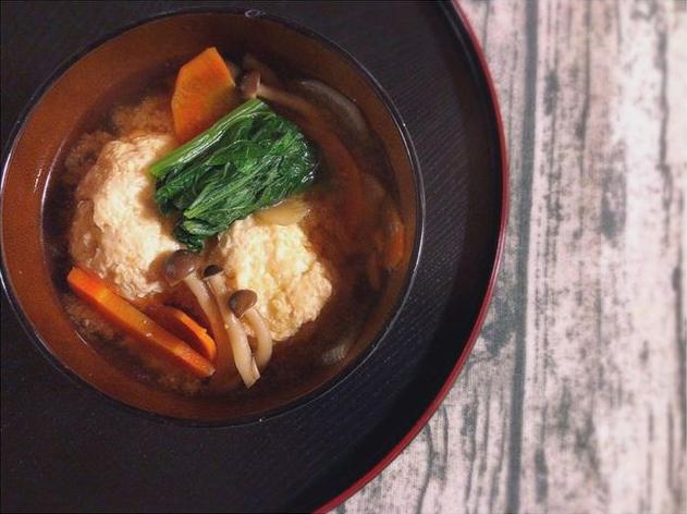 これ1杯で、野菜も肉もしっかりとれる♡栄養満点みそ汁レシピ3選の画像1