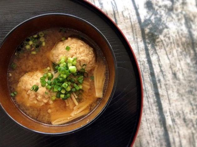これ1杯で、野菜も肉もしっかりとれる♡栄養満点みそ汁レシピ3選の画像2