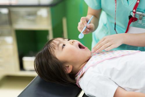 歯磨き大っ嫌いの娘。はじめての歯医者さんで、すんなり「アーン」のワケのタイトル画像