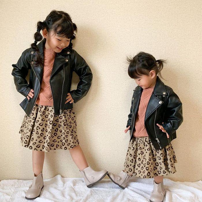 カラーや小物選びが大事!オシャレに決まる、兄弟&姉妹おそろいコーデ集♡の画像3