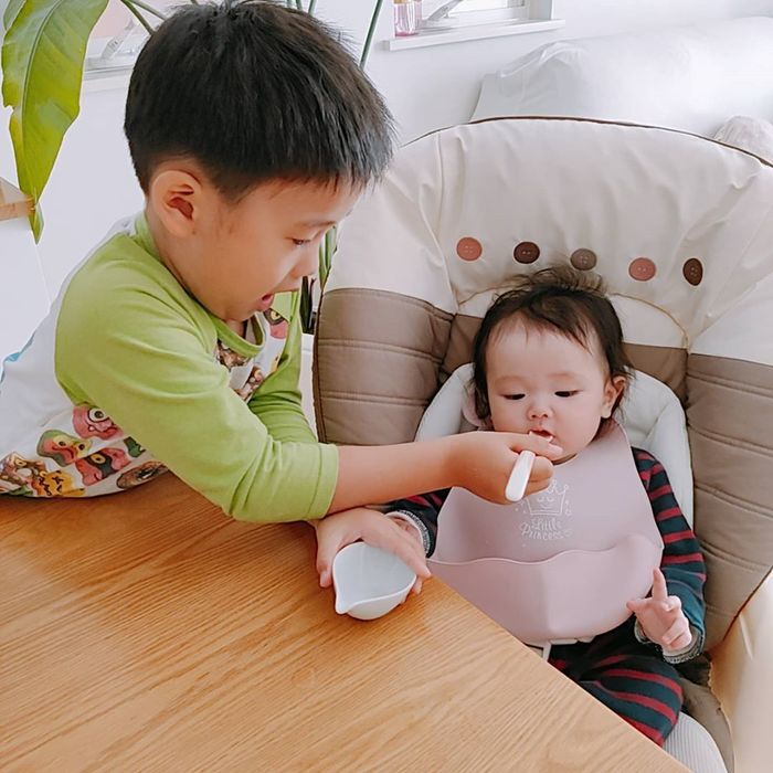 初めてのお粥に豆腐に…お味のほどは!?ドキドキの離乳食デビューの瞬間♡の画像4