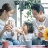家族で囲む食卓も、我が子のニオイまでもが輝く。「日常」こそ、最強。のタイトル画像