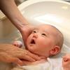 3姉妹+乳児のお風呂事情!ママ友のアドバイスに、肩の力がフッと抜けた瞬間のタイトル画像