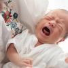 【医師監修】新生児が母乳をうまく飲めない!赤ちゃんが母乳を飲まない原因や対策を解説のタイトル画像
