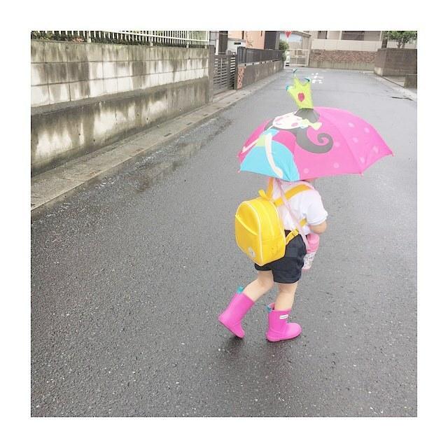ご近所に恐竜やペンギンがあらわれる…!?雨の日限定!レインコーデ集の画像4