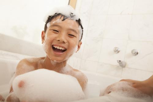 「お風呂が嫌だ」とダダをこねる息子に対して、夫がとった神行動とはのタイトル画像