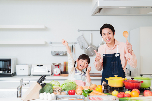ママの料理に「よっしゃぁ!いぇーい!」オーバーリアクションが大事なわけのタイトル画像