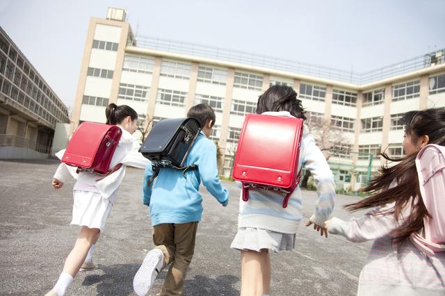 「先生1人で大丈夫…?」小3双子が選んだ、小学生になって驚いたことの真意が予想外!の画像1