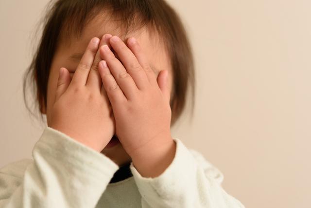 照れやさん?子どもが一歩外に出るだけで喋らなくなるのはなぜ?の画像1